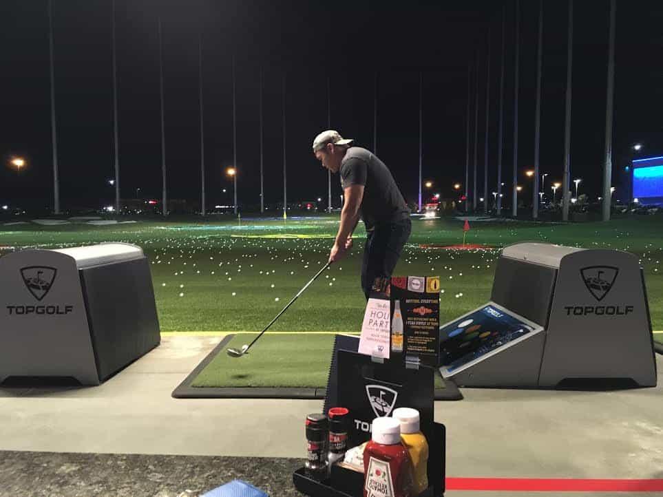 top-golf-huan-golfing